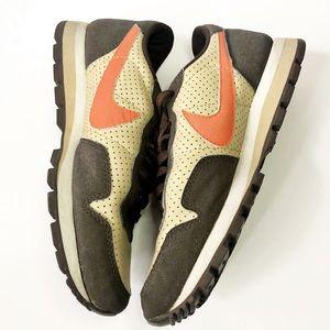 NIKE • Sneakers